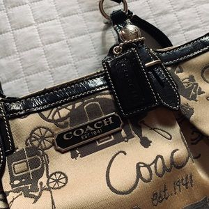 Beautiful Coach horse and carriage shoulder bag